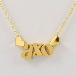 AXO-AKA-Necklace-Gold-Close