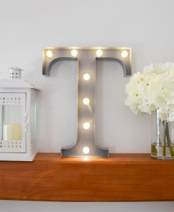 Tau-Marquee-Greek-letter-light