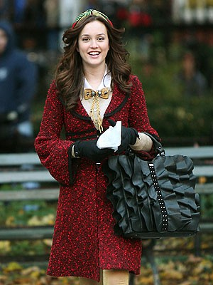 How to Look Like Blair Waldorf at Sorority Meeting