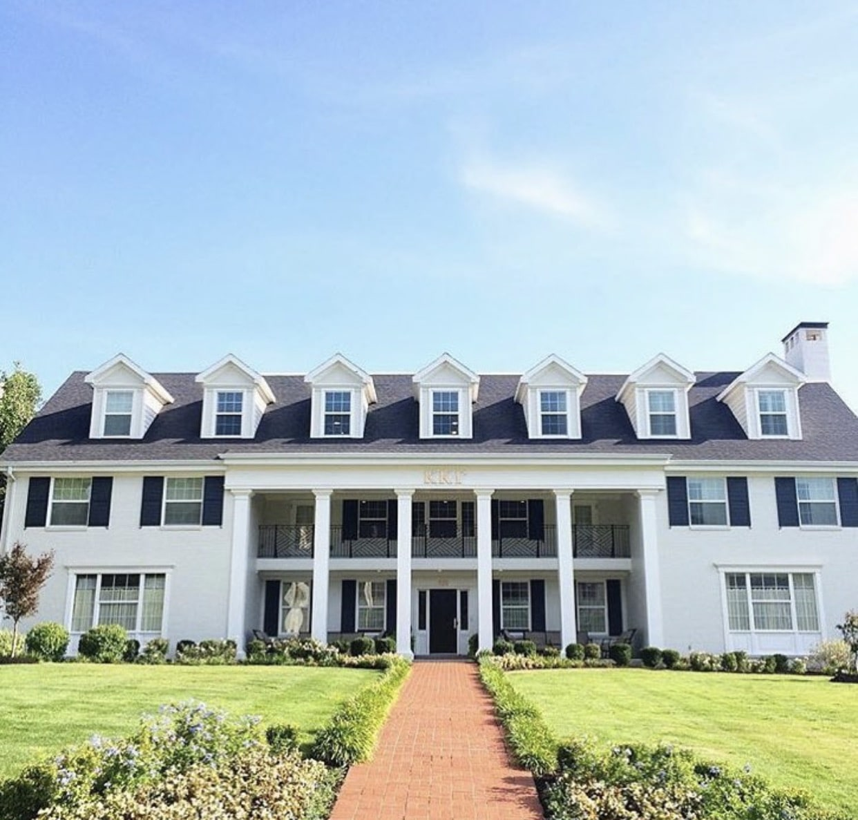 America s top 6 cutest sorority houses a list greek designs for Americas best homes