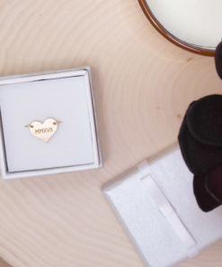 heart-wire-ring-gold-in-box-3-roman-numeral