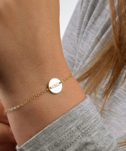 Alpha Chi Omega Circle Bracelet Gold Closeup